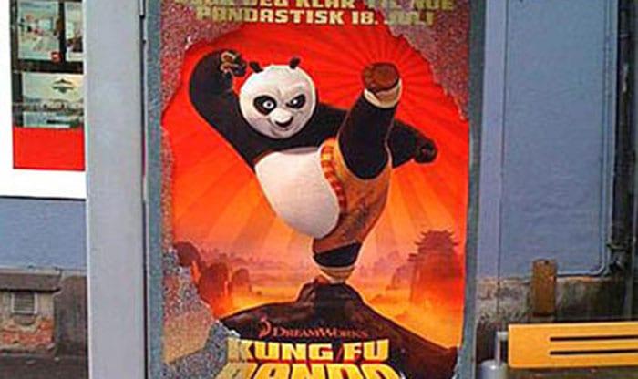 Ação em Abrigo de ônibus para promover Kung Fu Panda