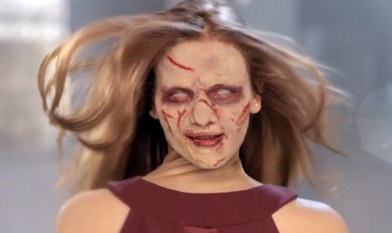 Garota do exorcista comercial