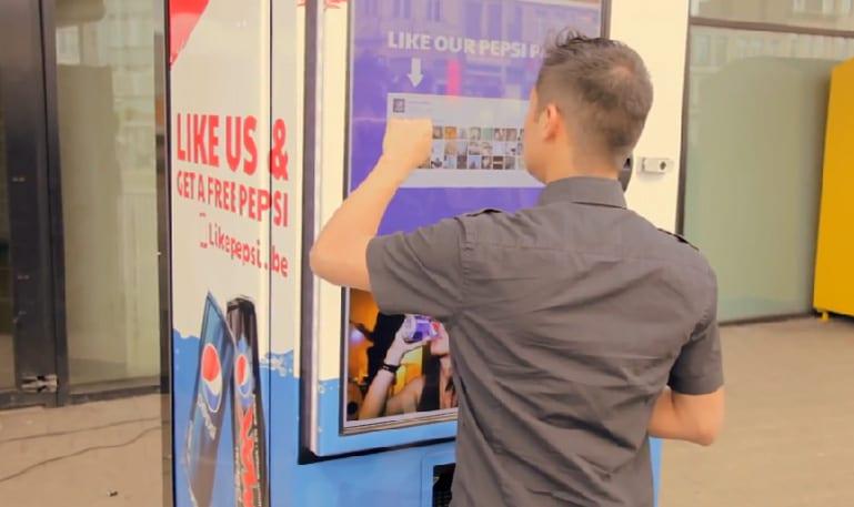 Pepsi like machine: não aceita dinheiro, apenas curtidas