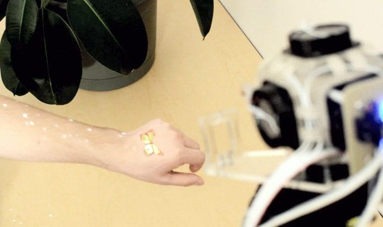 Disney cria dispositivo que permite sentir objetos virtuais sem tocá-los