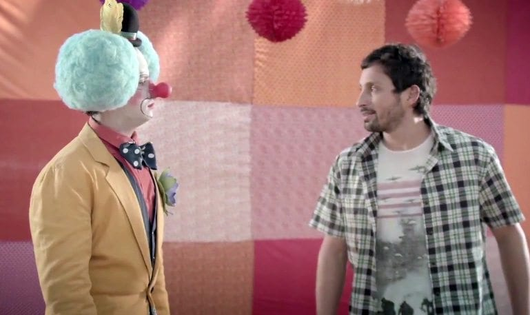 Conar utiliza humor para falar sobre as críticas exageradas à publicidade