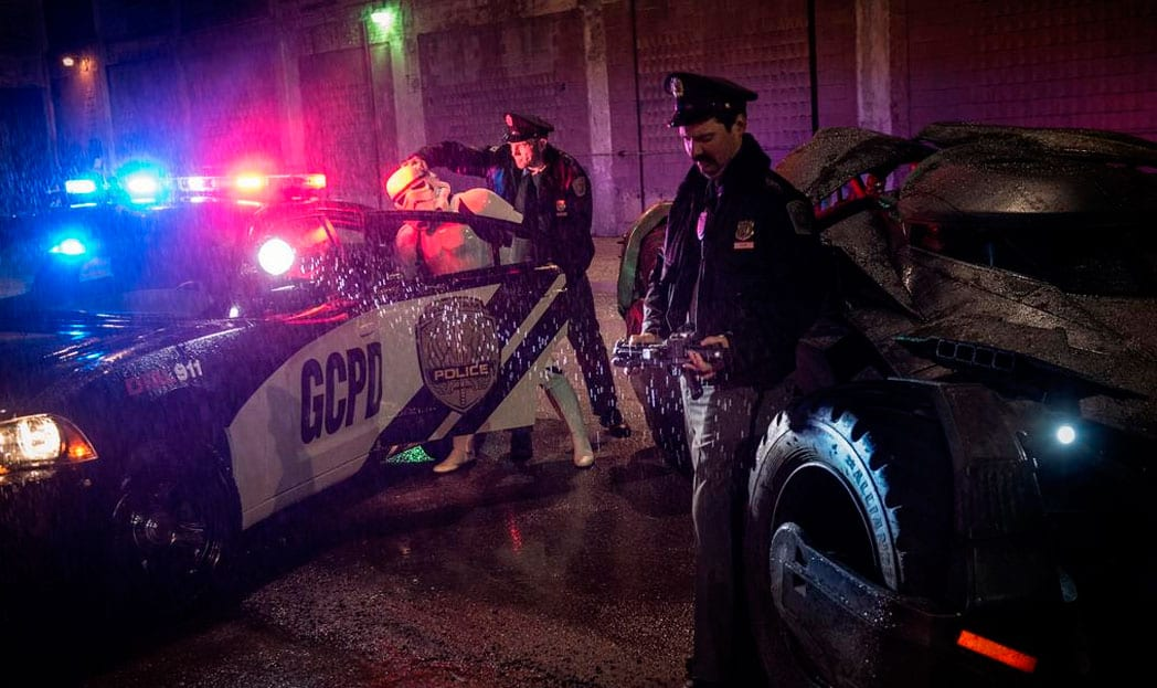 Polícia de Gothan prende Stormtrooper