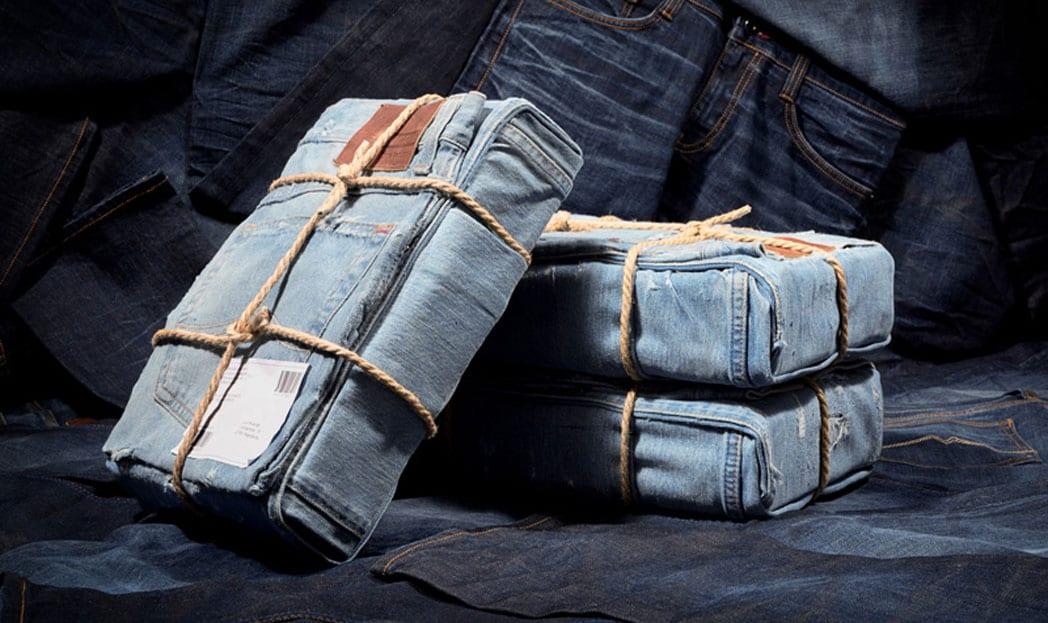 Calça jeans é usada como embalagem para mostrar que é resistente