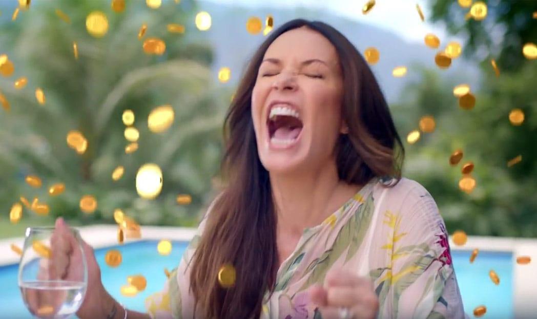 """Coqueiro relembra bordão famoso """"Eu sou Ricaaa"""" de Carolina Ferraz em comercial"""