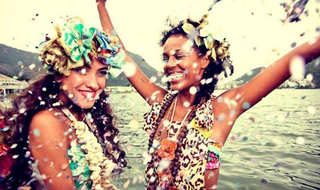 O carnaval chegou: saiba como lavar as suas fantasias