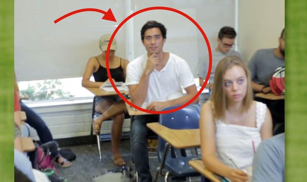 Veja o que esse cara fez para dormir em sala de aula de forma criativa