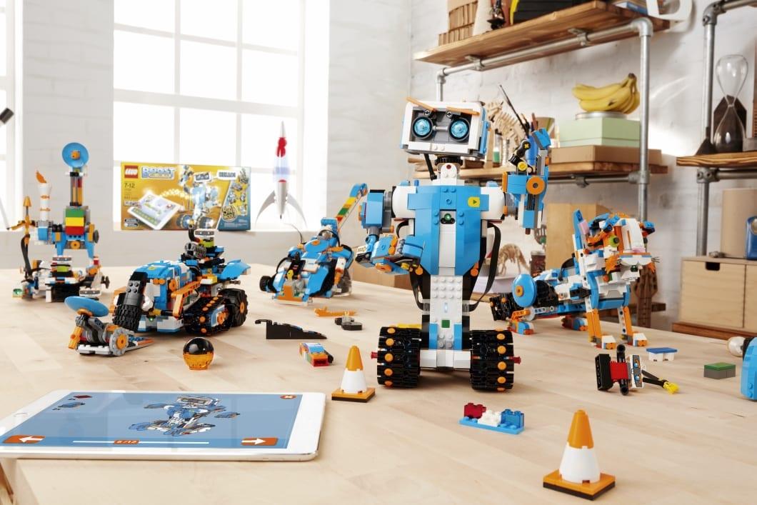 LEGO lança os Lego Boost para ensinar crianças a programar