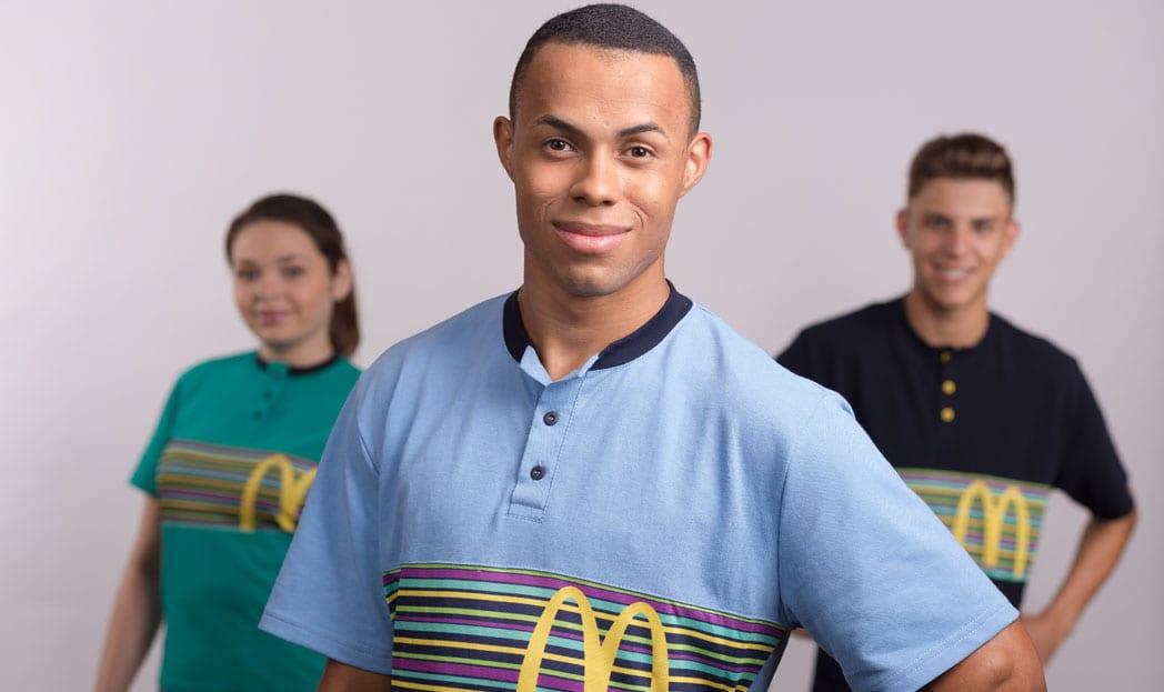 E depois de 8 anos McDonald's muda seu uniforme no Brasil