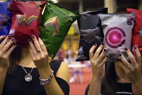 Ruffles lança embalagens inspiradas na Liga da Justiça