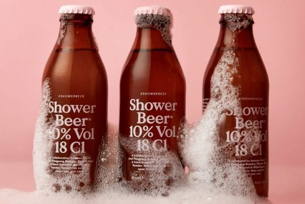 Cerveja para beber no chuveiro e que serve de condicionador